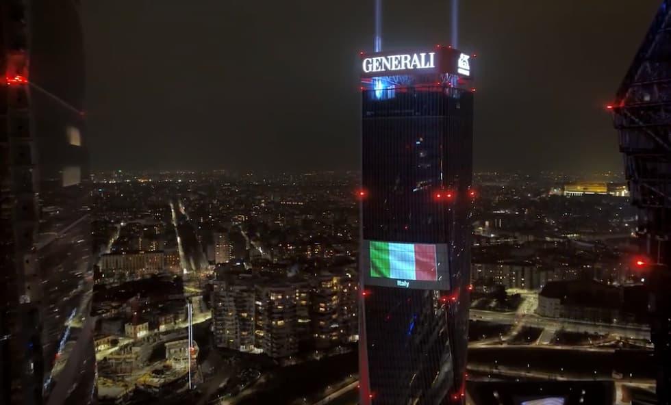 Bandiera italiana grattacielo Generali