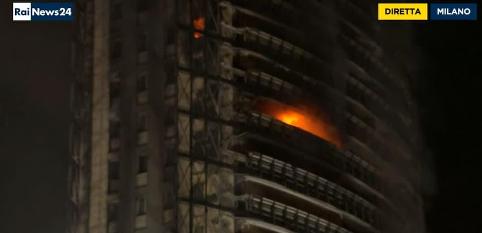 Incendio Torre dei Moro