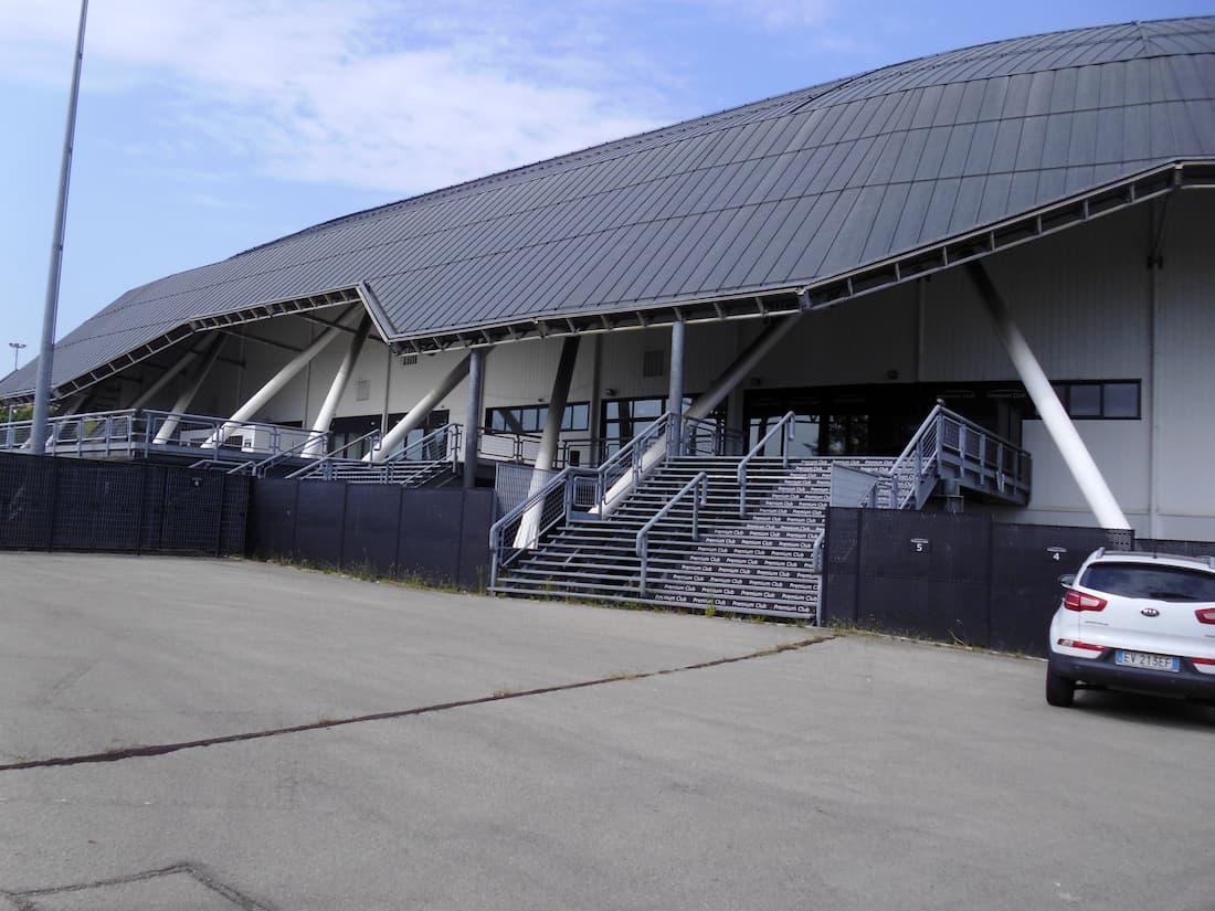Unipol arena esterno